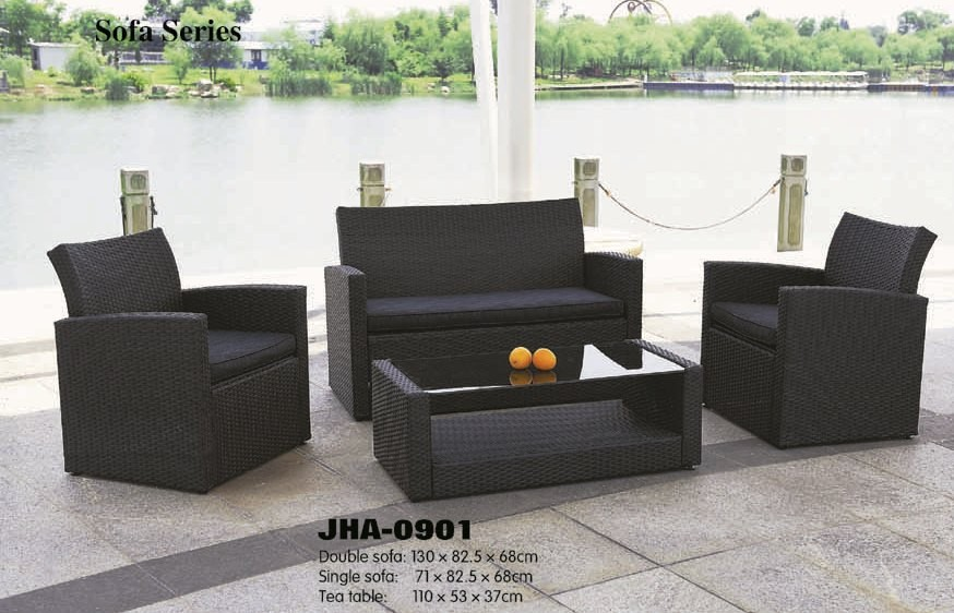 Dismentable wicker sofa set