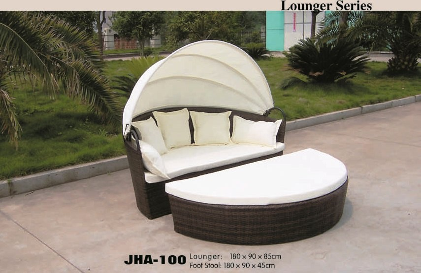 rattan lounger, wicker lounger, pool side lounger