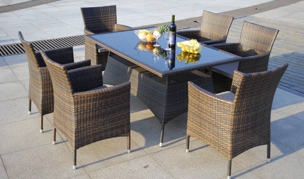 Wicker Dining Furnitures